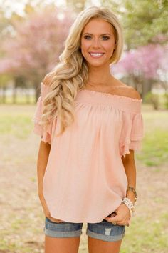 Amazing 40 Ways to Wear Pink on Spring from https://www.fashionetter.com/2017/07/29/40-ways-wear-pink-spring/