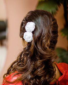 Arranjo de Flor Branca para Noiva -  ♥Conheça a Loja Virtual de Acessórios para Noivas e Daminhas : www.bypaoladaniele.elo7.com.br