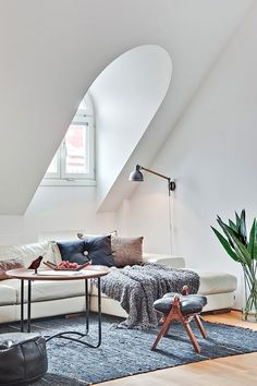 Un duplex à Stockholm Little too much white, but also much class