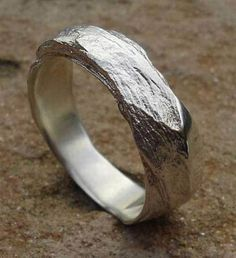 The most creative rings. Great gallery, awesome present for your dear one. Beautiful Engagement Rings, Vintage Engagement Rings, Ring Ring, Dress Rings, Ancient Jewelry, Jewelry Photography, Copper Jewelry, Ring Designs, Rings For Men