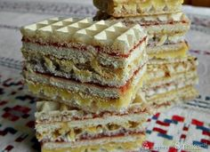 Waffles with biscuits Polish Desserts, Polish Recipes, No Bake Desserts, Sweet Recipes, Cake Recipes, Dessert Recipes, Easy Blueberry Muffins, European Dishes, Easy Cake Decorating