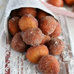 Soft , and chewy banana puff puff made- quite tasty too! Donut Recipes, Dessert Recipes, Desserts, Bread Recipes, Beignets, Koeksisters Recipe, French Donuts, Tanzania Food, African Dessert