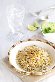 Arroz frito con ajo, arroz frito thai, comida tailandesa