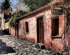 calle de los suspiros in Colonia, Uruguay