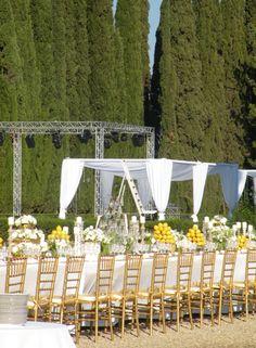 Dance floor for the outdoor wedding near Florence  www.guidilenci.com