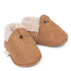 Baa Baby Lambskin Booties - they look so comfy! :) #booties #BabyShoes #babyproduct