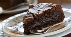 Ooey Gooey Chocolate Cake – 12 Tomatoes
