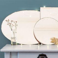 Miroirs biseautés vintage, rond D 30cm, rectangulaire 30 x 42 cm, ovale 38 x 59 cm, 38 euros, 52 euros, et 65 euros, Le Petit Florilège