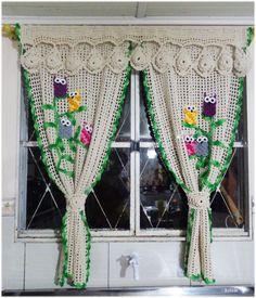 Cortina em crochê Corujas   Top Arts   Elo7 Crochet Curtain Pattern, Crochet Doily Diagram, Crochet Curtains, Curtain Patterns, Crochet Doilies, Crochet Flowers, Crochet Owls, Diy Crochet, Crochet Designs
