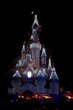 The magic of Disney,Disneyland Resort Paris christmas