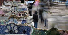 La explanada de las bancas es el icono mas representativo del Parc Guell de Gaudi.   VIP трансфер в Барселону  и  Предлагаем услуги экскурсии  трансфер, отдых, #travel
