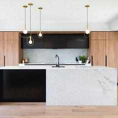 Congratulations to Darren, Simona and the team from @minosa_design for picking up the people's choice Kitchen of the Year and the NSW Medium Kitchen of the Year at the 2017 KBDI awards, held this month. Utilising our integrated refrigeration, 90cm oven and induction cooktop in this stunning space in Northbridge, NSW. 👏🏽📷 @nicoleengland #fisherandpaykel  #interiordesign #kitchenstyle #dreamkitchen #interiorstyle #style #kitchen #homestyle #archilovers #archidaily #architecture #luxuryhomes…