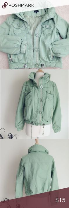"""Green puffer jacket Cool and casual green puff jacket, shell 100% cotton, lining 100% poly, filling 100% poly. Thin hood could be hidden inside the collar. Front button closure. Asian Junior size L RUNS Small, best fits US S, chest 20"""", length 20 1/2"""". Jackets & Coats Puffers"""
