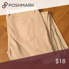 Light Pink Forever 21 Skinny Jeans Worn once. Practically brand new! Perfect for fall or spring Forever 21 Pants Skinny