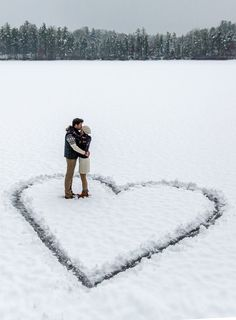 Ideas Wedding Winter Photoshoot Couple Photos For 2019 Winter Engagement Photos, Engagement Shoots, Wedding Engagement, Engagement Ideas, Indian Engagement, Country Engagement, Winter Engagement Photography, Winter Elopement Ideas, Winter Wedding Ideas