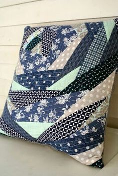The Running Stitch: A Bloomin' Pillow Tie Pillows, Sewing Pillows, Cushions, Patchwork Cushion, Quilted Pillow, Pillow Inspiration, Memory Pillows, String Quilts, Running Stitch