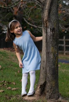 How to put together a gorgeous Frozen inspired holiday outfit for a little girl.