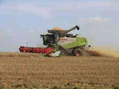 http://agrarbetrieb.com/ Getreideernte mit dem Claas Lexion 600