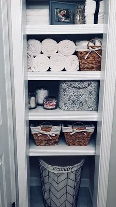 Clever ways to rethink the linen closet - # poss . Clever ways to rethink the linen closet – # Linen closet Linen Closet Organization, Home Organisation, Storage Organization, Closet Storage, Bathroom Closet Organization, Bathroom Shelves, Storage Ideas, Organizing Ideas, Closet Shelves
