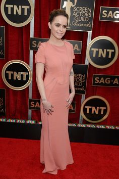 Peach is NOT the new black, especially when your skin and makeup match. Blergh. Celebrities on the SAG Awards Red Carpet 2015   POPSUGAR Celebrity