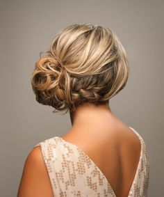 braided side updo - love it. If we cannot succeed my first hair style this is prom Garcia braided side updo - love it. If we cannot succeed my first hair style this is prom Garcia Martinez Up Hairstyles, Pretty Hairstyles, Wedding Hairstyles, Bridesmaid Hairstyles, Messy Hairstyle, Bridesmaid Hair Updo Side, Hairstyle Ideas, Updo Curly, Bohemian Bridesmaid