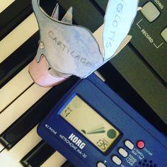 En Clase, una más Una mañana corta pero super intensa In the garlic :)) ♪♫♪ www.alejandra-toledano.com