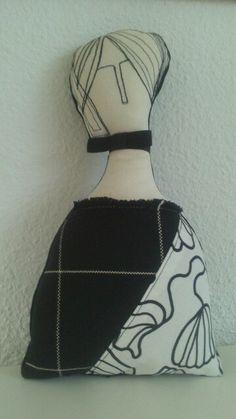 Muñeca hecha a manoC.  Fraile