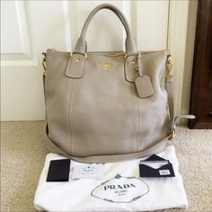 🎉HP🎉🎉Authentic Prada SACCA 2 Manici tote brand new condition,it was purchased at Nordstrom,100% authentic,color is POMICE,comes with dust bag,cards and price tag,❌NO TRADE‼️ Prada Bags Totes