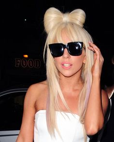 Name: Lady Gaga Date of Birth: March 1986 Birth Place: Yonkers, N. Lady Gaga is something however another cookie-cutter blonde p. Hair Styles 2014, Long Hair Styles, Lady Gaga Hair, Celebrity Haircuts, Blonder Bob, Photomontage, Looks Cool, Cut And Color, Wig Hairstyles