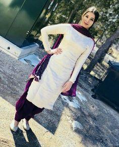 trendy Ideas for how to wear shirt dress life Designer Punjabi Suits Patiala, Punjabi Suits Designer Boutique, Patiala Suit Designs, Indian Designer Suits, Kurta Designs Women, Kurti Designs Party Wear, Salwar Designs, Dress Designs, Suit Fashion