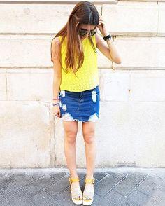 yellow mood 💛 ed il mio nuovo colore di capelli 😉😘 skirt  @whatsmode_collection  sunglasses @polarsunglasses