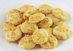 Kue Kering – youkitchen Cookie Recipes, Snack Recipes, Snacks, Royal Icing, Cake Cookies, Barbecue, Cereal, Almond, Chips