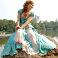 19 Fun Family Movies For Valentine's Day That Your Kids Will Love Giselle Enchanted, Amy Adams Enchanted, Enchanted Movie, Disney Enchanted, Disney Movies, Disney Pixar, Walt Disney, Disney Live, I Love Cinema