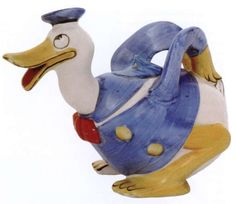 The English firm Wade, Heath & Co., who produced this Donald Duck teapot in the 1930s, was famous for its 'Disney Wadeheath Ware' featuring popular cartoon characters.