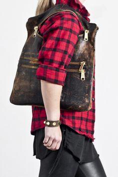 mailbag clutch