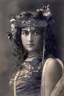 Vintage Venus: Vintage French Showgirls & Music Hall Beauties.  love the headdress