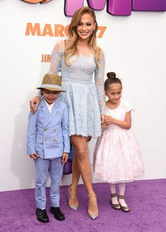 Jennifer Lopez's new pictures with her twins are too cute.