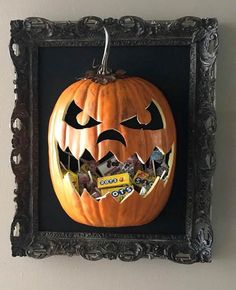 These cheap & easy Halloween decoration ideas are perfect for the seasonal decorator on a budget, and most of them can be made with dollar store materials! Dollar Tree Halloween Decor, Dollar Store Halloween, Easy Halloween Decorations, Dollar Tree Crafts, Halloween Displays, Outdoor Halloween, Halloween Crafts, Halloween Mantel, Halloween 2020