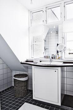 25 badeværelser, både store og små badeværelser