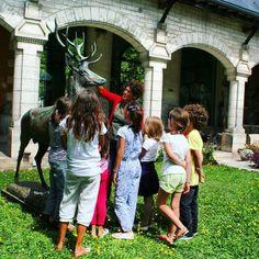Tous fans d'Isidor Bonheur !  #Pxcity #JadorelePérigord #JAdorePerigord #museedefrance #musee #perigord #maaperigord #perigueux #dordogne #cerf #isidor #bonheur #cloitre #onyva #enfants #foret #animal #capitaleduperigord #jardin by maaperigord