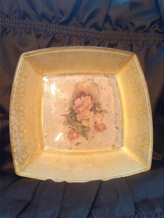 Ukrasna zdjela rad na staklu,u boji zlata radjeno,unikat.upravo prodato