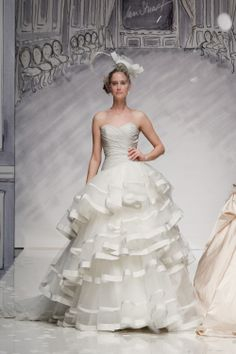 Ian Stuart Bride | Designer wedding dresses-Caracas