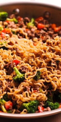 Beef Ramen Noodles Stir Fry is a quick budget-friendly way to use instant ramen! This healthy ramen noodles recipe is made with garlic broccoli soy sauce and more! Instead of using ramen soup packets Beef Ramen Noodle Recipes, Healthy Ramen Noodles, Healthy Beef Recipes, Beef And Noodles, Asian Recipes, Ramen Soup, Cooking Recipes, Quick Recipes With Ramen Noodles, Recipes With Noodles And Ground Beef