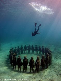 Underwater sculpture park in Grenada