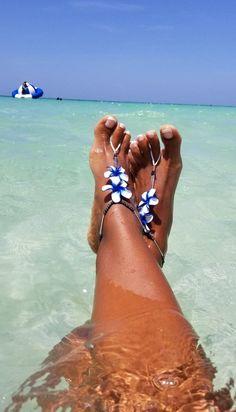 Barefoot Sandal - plumeria flower barefoot sandal - beach wedding shoes - destination wedding shoes - Happi Feet - The Hawaiian Foot Pics, Foot Pictures, Nice Toes, Pretty Toes, Beach Feet, Beach Wedding Shoes, Gorgeous Feet, Beautiful Legs, Animal Print Fashion