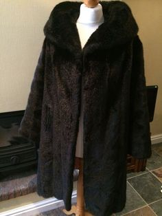 Stylish Vintage 60s Faux Fur Coat With Large Collar in Dark Chocolate Size 12 14