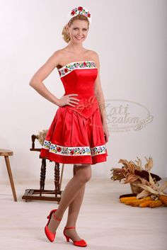 30 short bridal dress, embroidered kalocsai patterned skirt and top with a matching pair of Folklore, Feminized Boys, Hungarian Embroidery, Special Occasion Outfits, Festival Outfits, Traditional Outfits, Bridal Dresses, Strapless Dress, Glamour