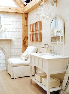 Photo credit: Virginia Macdonald This looks so country'ish, cozy, and comfortable. You could spend some peaceful time here! Zen Bathroom, Modern Bathroom Decor, Bathroom Interior Design, Home Upgrades, White Rooms, Decorating On A Budget, Beautiful Bathrooms, Bathroom Inspiration, Kitchen And Bath