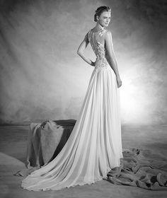 Nadia - Wedding dress in gauze with round neckline and gemstones