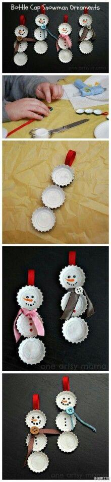 .....TOOO CUTE!!! DIY bottle cap snowmen ornaments~~~ :-)